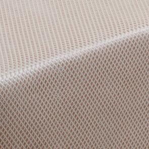 Nettle & Tread Beige - voksdug med præget mønster i dæmpet symmetri
