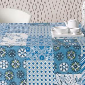 Courbet blå, akryldug med patchwork tern, 180 cm bred